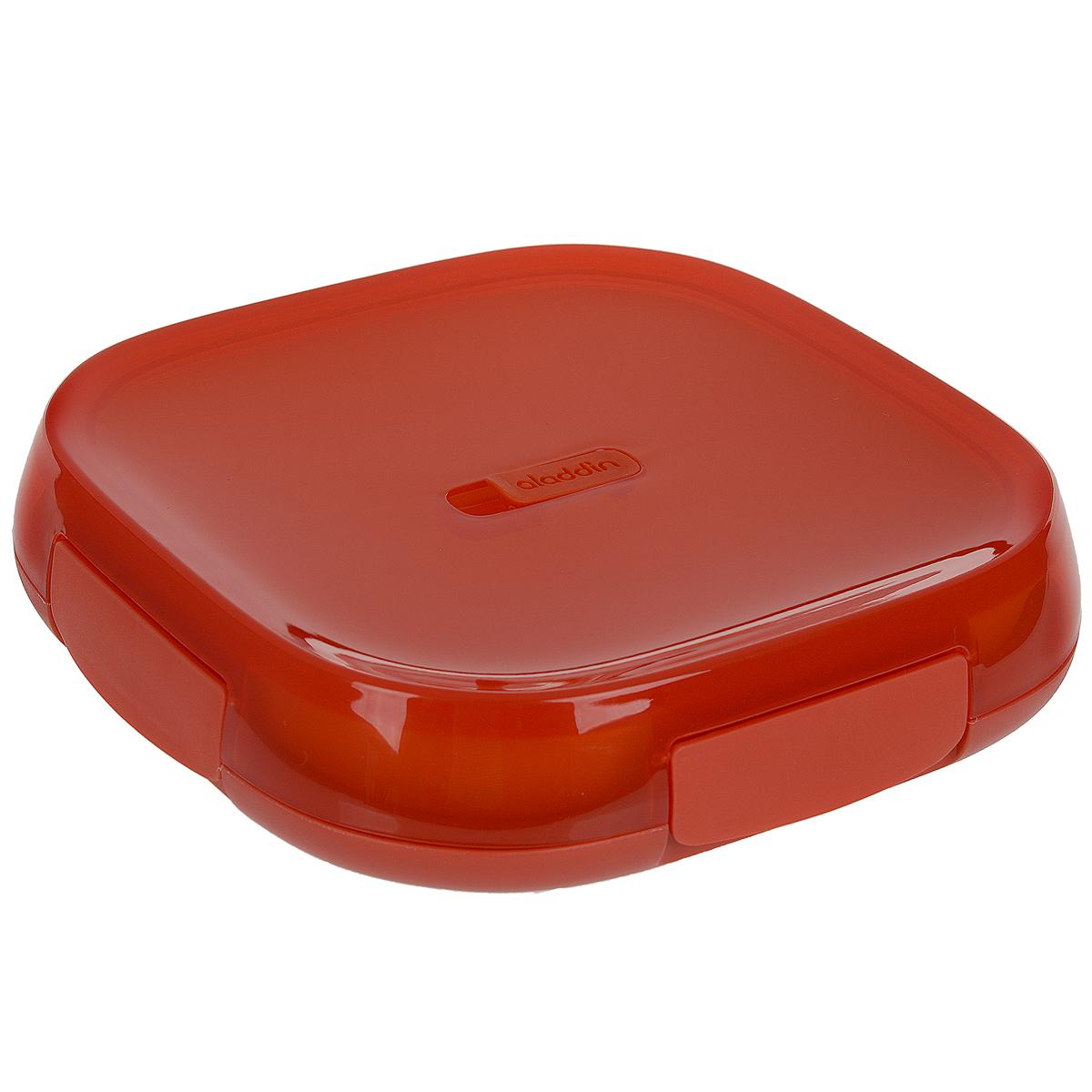 Контейнер для ланча Aladdin Lunch Plate, цвет: красный, 0,85 л10-01546-001Герметичный кейс для ланча коллекции Crave изготовлен из пластика. Двустенная изоляция, в комплекте с тарелкой, с вентиляционным отверстием для подогрева в микроволновой печи. Не содержит бисфенол А. Размер контейнера: 22,5 см х 22,5 см х 5 см. Размер тарелки: 20 см х 20 см.