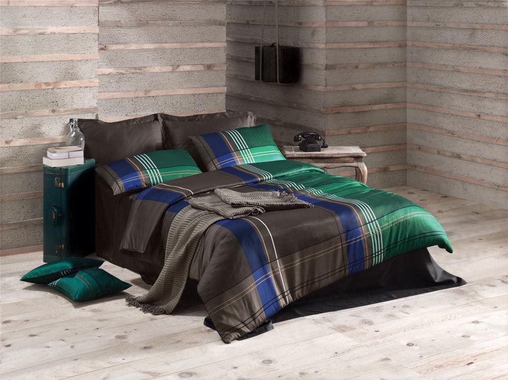 Комплект белья Issey (евро КПБ, сатин, 4 наволочки 50х70), цвет: зеленыйIssey GreenКомплект постельного белья Issey, изготовленный из сатина высокого качества, поможет вам расслабиться и подарит спокойный сон. Комплект состоит из одного пододеяльника, простыни и четырех наволочек. Белье сшито из сатина - блестящей и плотной ткани, которая изготавливается из крученой хлопковой нити двойного плетения, что придает ей яркость и блеск. Своими свойствами он схож с шелком и кашемиром. Сатин из египетского хлопка отличает от остальных отсутствие линта (хлопкового пуха), поэтому со временем белье не обрастает катышками! Это белье выдерживает более 300 стирок, не теряя своей первоначальной прелести и не тускнея, и его практически не нужно гладить! Благодаря такому комплекту постельного белья вы сможете создать атмосферу роскоши и романтики в вашей спальне.
