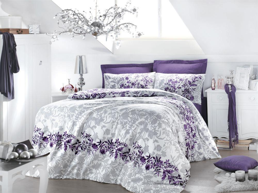 Комплект белья Violetta (1,5 спальный КПБ, сатин, наволочка 50х70), цвет: бело-фиалковыйViolettaКомплект постельного белья Violetta, изготовленный из сатина высокого качества, поможет вам расслабиться и подарит спокойный сон. Комплект состоит из одного пододеяльника, простыни и одной наволочки. Нежный, романтичный, создающий мечтательное и воздушное настроение, комплект Violetta выполнен в нежных оттенках фиалки в сочетании с серебристо-серым узором. Белье сшито из сатина - блестящей и плотной ткани, которая изготавливается из крученой хлопковой нити двойного плетения, что придает ей яркость и блеск. Своими свойствами он схож с шелком и кашемиром. Сатин из египетского хлопка отличает от остальных отсутствие линта (хлопкового пуха), поэтому со временем белье не обрастает катышками! Это белье выдерживает более 300 стирок, не теряя своей первоначальной прелести и не тускнея, и его практически не нужно гладить! Благодаря такому комплекту постельного белья вы сможете создать атмосферу роскоши и романтики в вашей спальне.