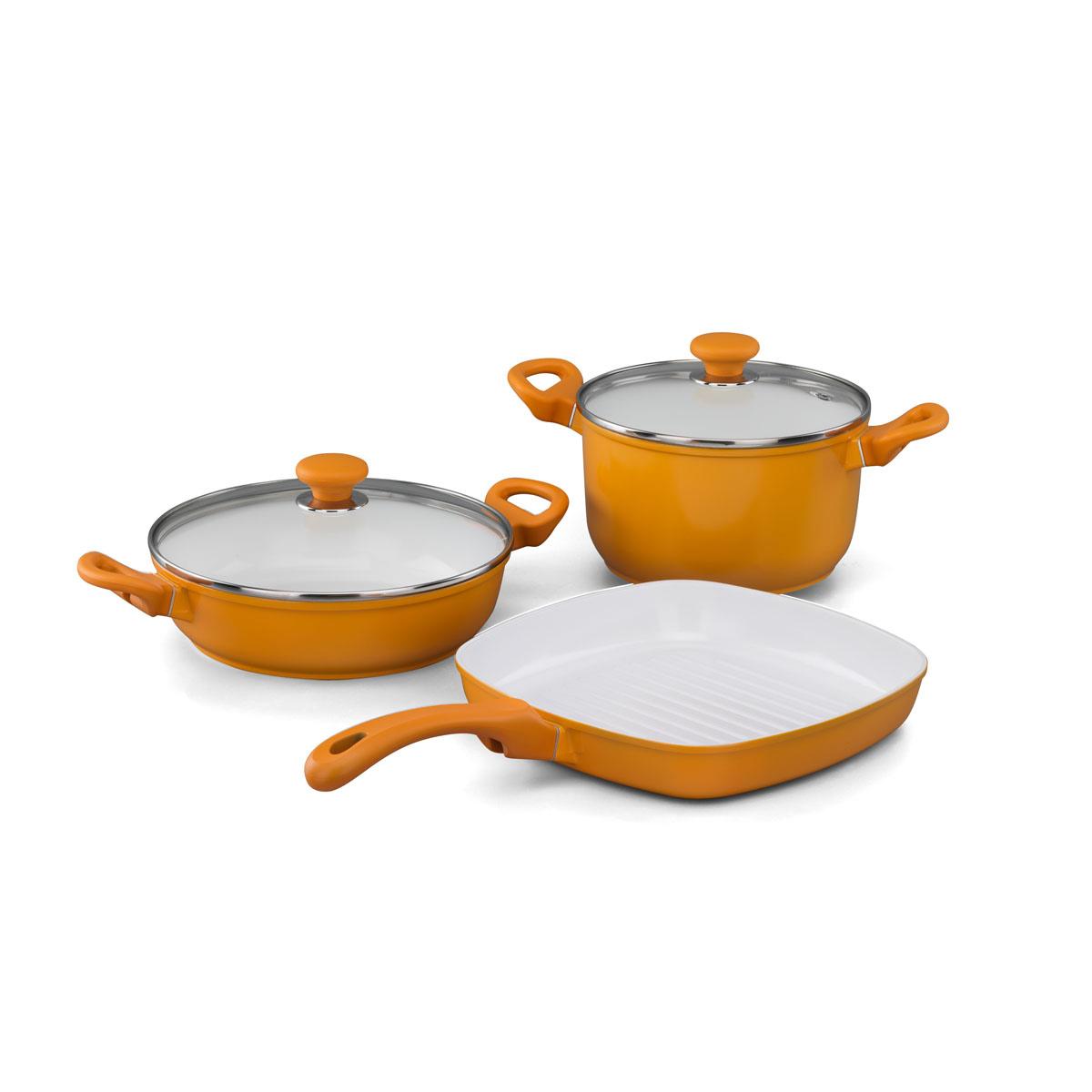 Набор посуды Korkmaz Seravita с керамическим покрытием, цвет: желтый, 3 предметаA1516-3Набор посуды Korkmaz Seravita состоит из кастрюли с крышкой, сотейника с крышкой и сковороды-гриля. Внешнее покрытие желтого цвета, внутреннее покрытие - белого цвета. Керамическое внутреннее и наружное покрытие нагревается до +450°С, чрезвычайно устойчиво к механическому воздействию, не выделяет токсичных паров при готовке, не содержит тяжелых металлов (таких как свинец и кадмий), легко моется. При готовке на керамическом покрытии пища не пристает и не пригорает, а масла требуется вдвое меньше по сравнению с другими покрытиями, что позволяет приготовить здоровую, вкусную и полезную пищу без лишних жиров и оксидантов. Кроме того, покрытие абсолютно экологично, так как не содержит тефлоновые составляющие PTFE и PFOA. Основа из высокопрочного алюминия позволяет изделиям быстро нагреваться до высокой температуры и равномерно распределять тепло по всей поверхности. Высокая теплопроводность позволяет быстро готовить даже на медленном огне, а значит, витамины и полезные микроэлементы...