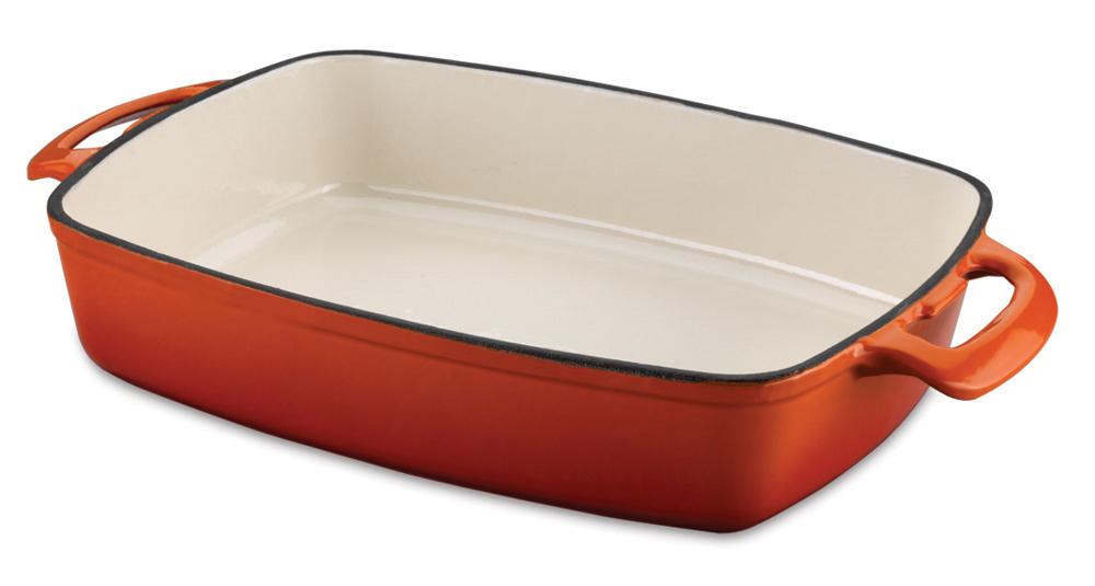 Утятница-лоток чугунная Korkmaz Casterra, цвет: оранжевый, 35 см х 26 смA1473Утятница-лоток Korkmaz Casterra изготовлена из чугуна с эмалевым внешним и внутренним покрытием, имеет форму лотка. Внешнее покрытие оранжевого цвета, внутреннее - бежевого цвета. Чугун отличается исключительной износостойкостью, практически не подвержен деформации и обладает естественными антипригарными свойствами. Хотя чугун достаточно долго нагревается, но он способен сохранять температуру поверхностей очень долго: за счет этого даже на небольшом огне и сравнительно невысокой температуре пища готовится и пропекается очень хорошо, витамины не разрушаются, а продукты сохраняют свой вкус и аромат. Эмалевое покрытие способно нагреваться до высоких температур, не выделяет токсичных паров при готовке, не содержит тяжелых металлов (таких как свинец и кадмий), легко моется. Основная особенность эксплуатации - стараться беречь посуду от ударов во избежание сколов эмали, а также не допускать резкого нагрева или охлаждения. Утятница оснащена удобными ручками. Подходит...