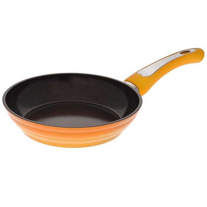 Сковорода Mayer & Boch, с керамическим покрытием, цвет: шоколадный, оранжевый. Диаметр 20 см. 2247522475Сковорода Mayer & Boch изготовлена из алюминиевого сплава с высококачественным антипригарным керамическим покрытием шоколадного цвета. Керамика не содержит вредных примесей ПФОК, что способствует здоровому и экологичному приготовлению пищи. Кроме того, с таким покрытием пища не пригорает и не прилипает к стенкам, поэтому можно готовить с минимальным добавлением масла и жиров. Гладкая, идеально ровная поверхность сковороды легко чистится, ее можно мыть в воде руками или вытирать полотенцем. Внешнее покрытие - термостойкий лак оранжевого цвета. Эргономичная ручка специального дизайна выполнена из бакелита с покрытием Soft-Touch, удобна в эксплуатации. Сковорода подходит для использования на всех видах плит, включая индукционные. Также изделие можно мыть в посудомоечной машине. Характеристики: Материал: алюминий, бакелит. Цвет: шоколадный, оранжевый. Внутренний диаметр: 20 см. Высота стенки: 4 см. Толщина стенки: 0,26 см. Толщина дна: 0,5...