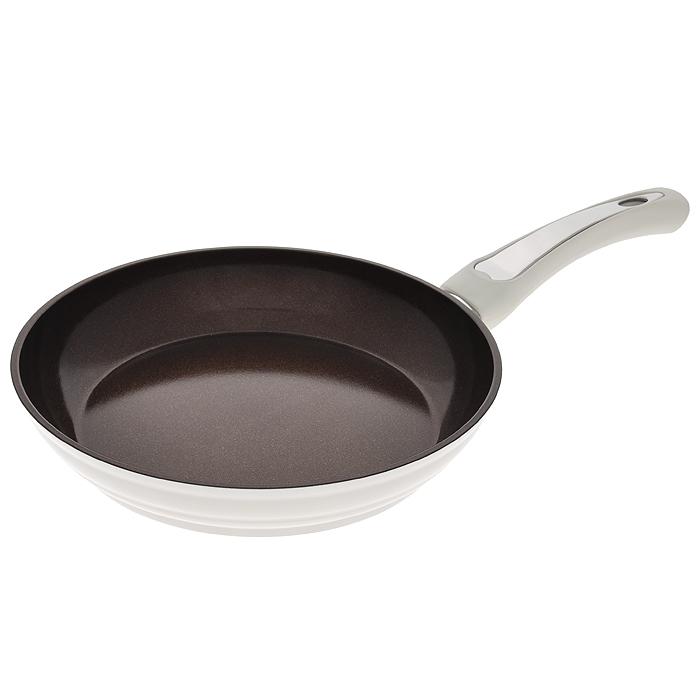 Сковорода Mayer & Boch, с керамическим покрытием, цвет: белый. Диаметр 24 см. 2247622476Сковорода Mayer & Boch изготовлена из алюминия с высококачественным антипригарным керамическим покрытием шоколадного цвета с золотистым блеском. Керамика не содержит вредных примесей ПФОК, поэтому является экологически чистой, безопасной для здоровья. Кроме того, с таким покрытием пища не пригорает и не прилипает к стенкам, поэтому можно готовить с минимальным добавлением масла и жиров. Гладкая поверхность легко чистится - ее можно мыть в воде руками или вытирать полотенцем. Внешнее покрытие - термостойкий лак белого цвета. Эргономичная ручка специального дизайна имеет прорезиненную поверхность с эффектом Soft-Touch, что делает использование удобным и комфортным. Сковорода подходит для газовых, электрических, стеклокерамических, галогенных плит. Нельзя использовать на индукционных плитах, в духовом шкафу и СВЧ-печи. Можно мыть в посудомоечной машине.