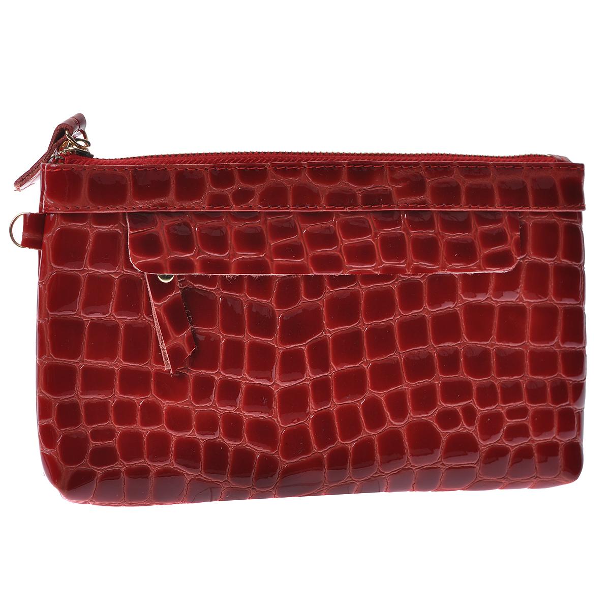 Сумка женская Cheribags, цвет: красный. 611-16611-16Женская сумка Cheribags выполнена из натуральной, лакированной кожи красного цвета с тиснением под рептилию. Сумка имеет одно вместительное отделение, которое закрывается на застежку-молнию. Внутри отделения расположены вшитый карман на молнии и один накладной кармашек. На передней и задней стенке сумки расположен горизонтальный карман на молнии. Фурнитура сумки выполнена из металла золотистого цвета. Модель оснащена ремешком для запястья, крепящийся при помощи карабина. Сумка - это стильный аксессуар, который подчеркнет вашу изысканность и индивидуальность и сделает ваш образ завершенным. Характеристики: Материал: натуральная кожа, текстиль, стразы, металл. Размер сумки: 19 см х 11 см х 2 см. Цвет: красный. Длина ремешка для запястья: 17 см. Артикул: 611-16.