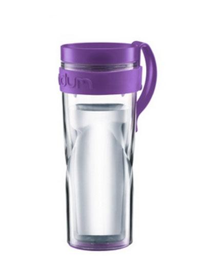 Bodum Travel Mug кружка дорожная, цвет: фиолетовый, 450 мл. 11042-27811042-278Дорожная кружка Travel обязательно будет кстати в путешествии. Кружка выполнена из пластика и оснащена привинчивающейся крышкой, в которой есть небольшой клапан с отверстием для питья. Это исключает выплескивание жидкости и позволяет использовать кружку даже во время поездок в автомобиле. Кружка незаменима на пикнике, в офисе, в автомобильной поездке. Она хороша в качестве подарка.