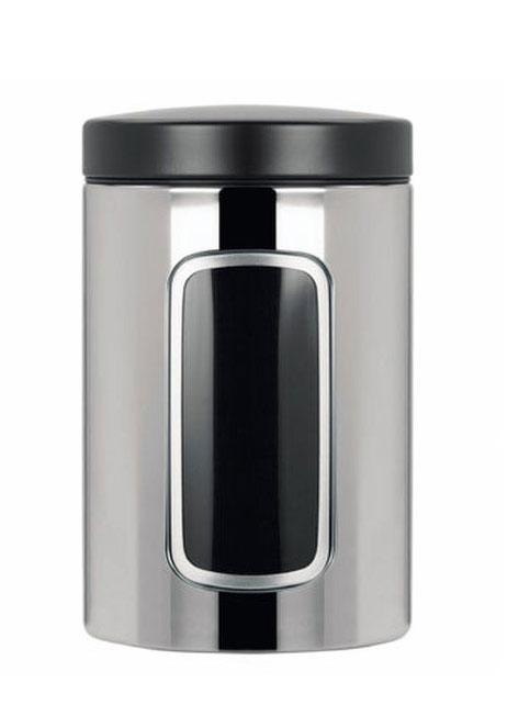Контейнер для сыпучих продуктов Brabantia с окном, 1,4 л. 132803132803Контейнер для сыпучих продуктов Brabantia, изготовленный из высококачественной нержавеющей стали, станет незаменимым помощником на кухне. В нем будет удобно хранить разнообразные сыпучие продукты, такие как кофе, крупы, макароны или специи. Контейнер снабжен металлической крышкой и окошком. Оригинальный дизайн контейнера позволит украсить любую кухню, внеся разнообразие, как в строгий классический стиль, так и в современный кухонный интерьер. Характеристики: Материал: нержавеющая сталь, пластик. Объем: 1,4 л. Диаметр: 9 см. Высота: 16 см. Толщина стенки: 0,5 мм. Размер упаковки: 16 см х 10,5 см х 10,5 см. Артикул: 132803. Гарантия производителя: 5 лет.