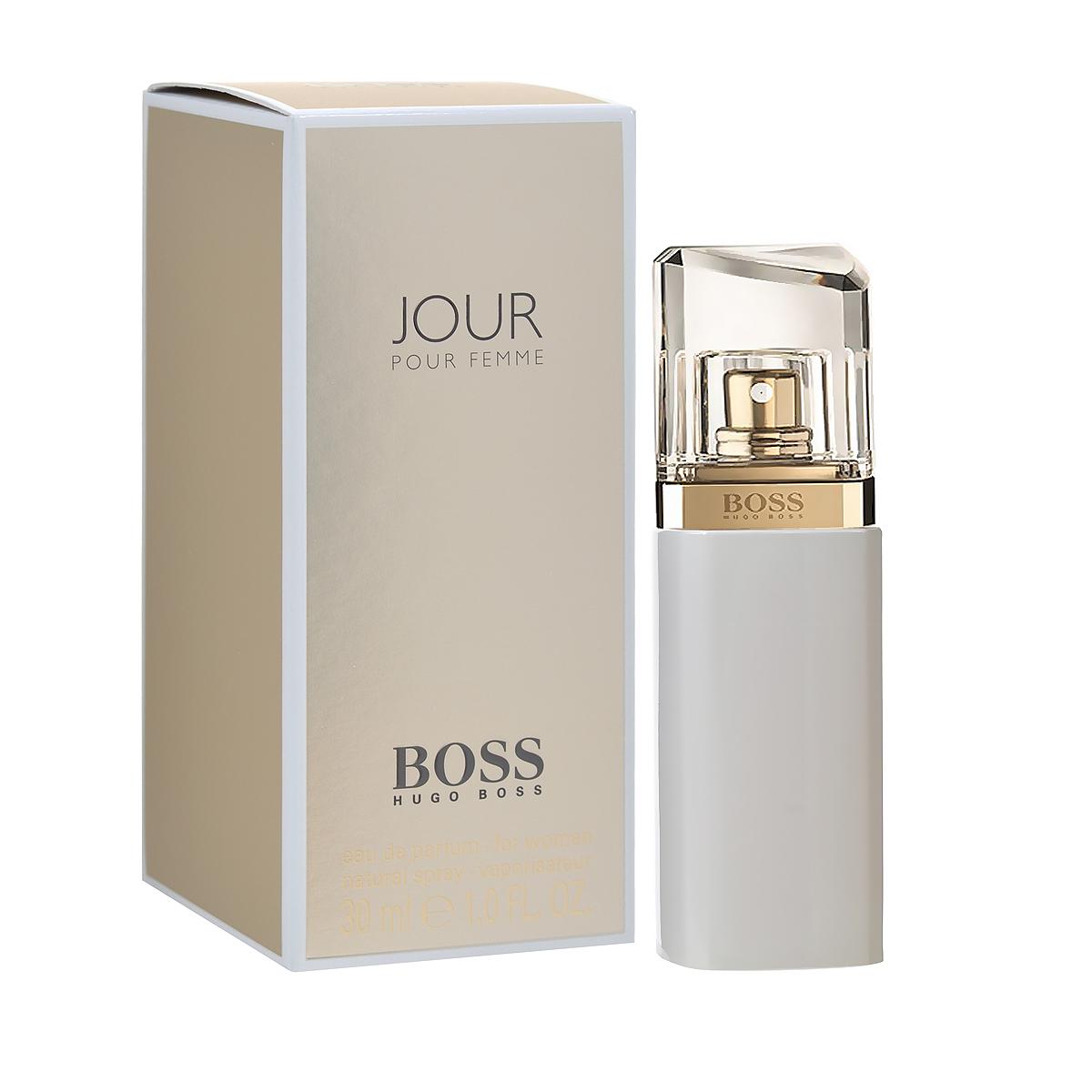 Hugo Boss Парфюмерная вода Jour Pour Femme, женская, 30 мл0737052684390Hugo Boss Jour Pour Femme - дневное издание, облаченное в молочно-белый флакон, по характеру и оформлению контрастирующее с прошлогодней ночной версией. Аромат Hugo Boss Jour Pour Femme был создан, чтобы показать три лица женщины: вдохновение, самообладание и легкость. Аромат описывается как красивое сочетание белых цветов с игристыми и прохладными цитрусовыми аккордами. Свежие верхние ноты представлены комбинацией лайма и цветов грейпфрута. Они отражают легкость и подобны первым лучам утреннего солнца, которые ассоциируются с ожиданием чего-то хорошего. Вдохновение дарит богатый букет женственных белых цветов - фрезии, ландыша и жимолости - в сердце композиции. Самообладание передано с помощью более сильной и мужественной базы, включающей аккорды белой березы и сливочной амбры. Классификация аромата: цветочный. Пирамида аромата: верхние ноты - грейпфрут, лайм; ноты сердца - жимолость, ландыш, фрезия, ноты шлейфа - береза, амбра. Товар...