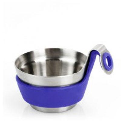 Подставка для сита Brabantia Чайный товарищ. 621123621123Подставка для сита Brabantia выполнена из нержавеющей стали с мягким на ощупь силиконовым кольцом и подходит для повседневного использования. Посуда для сервировки стола серии Get Together подходит для любого случая, а большой выбор цветов и размеров позволит создать Ваш личный стиль. Чайный товарищ удобно размещается на чашке и предназначен для печенья или конфет. Также его можно использовать для использованных чайных пакетиков, что позволит избежать подтеков и пятен на столе. Характеристики: Материал: нержавеющая сталь, пластик. Диаметр сита: 6,5 см. Высота сита: 3 см. Производитель: Бельгия. Артикул: 621123 Гарантия производителя: 5 лет.