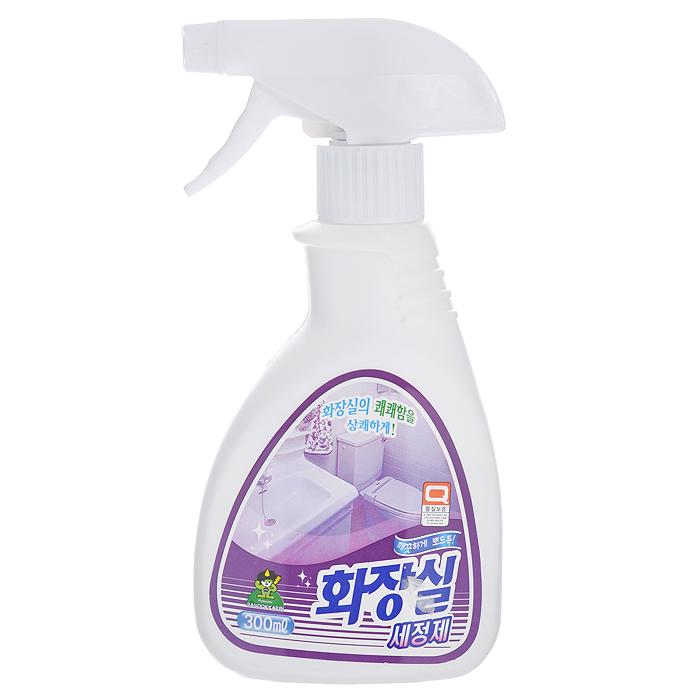 Чистящее средство для унитаза Sandokkaebi Тайди Клинер, 300 мл3241Чистящее средство Sandokkaebi Тайди Клинер предназначено для чистки и дезинфекции поверхности унитаза. Чистит, дезинфицирует и дезодорирует. Устраняет дурные запахи и уничтожает бактерии. Удаляет ржавчину, известковый камень, стойкие загрязнения. Характеристики: Состав: вода, натрий лаурил сульфат, диметил карбинол, бетаин, лимонная кислота, гидроксид калия, консервант, отдушка, этилендиаминтетрауксусная кислота. Объем: 300 мл. Артикул: 3241. Товар сертифицирован.