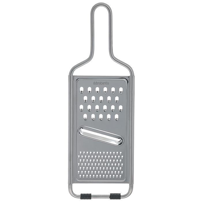 Терка универсальная Brabantia, цвет: серебристый. 261008261008Универсальная терка Brabantia выполнена из высококачественной стали. Изделие предназначено для измельчения продуктов. Терка имеет три варианта измельчения: шинковка, мелкая терка и крупная терка. Сверху изделие оснащено удобной ручкой, а снизу - прорезиненными ножками для предотвращения скольжения по столу. Терку можно мыть в посудомоечной машине. Практичная и функциональная терка Brabantia займет достойное место среди аксессуаров на вашей кухне. Характеристики: Материал: сталь, резина. Цвет: белый. Размер терки (ДхШхВ): 11,7 см х 1 см х 35 см. Размер рабочей поверхности: 10 см х 18,5 см. Артикул: 261008. Гарантия производителя: 5 лет.