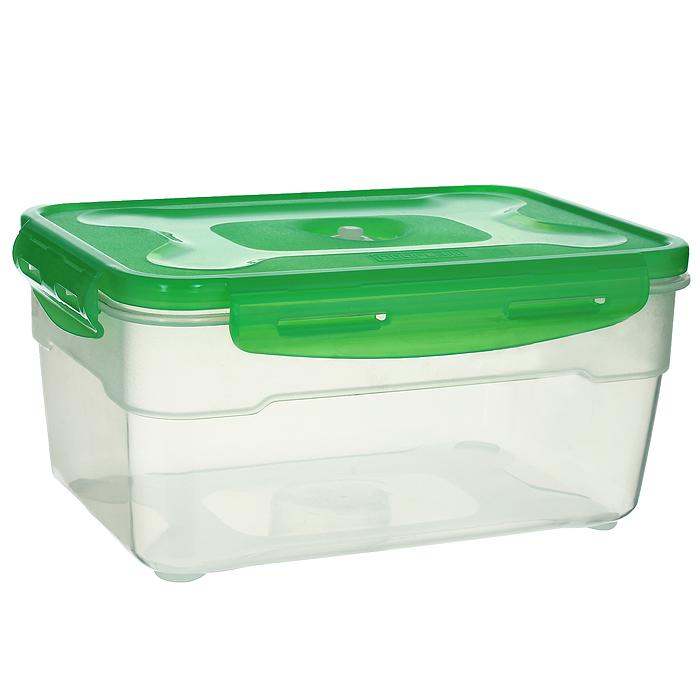 Контейнер вакуумный для пищевых продуктов Atlantis, цвет: зеленый, 2,3 лVS2R-32-GКонтейнер Atlantis прямоугольной формы предназначен для хранения пищевых продуктов. Контейнер изготовлен из пищевого пластика, в состав которого включена антибактериальная добавка Microban. Microban, встроенный в структуру пластика, препятствует размножению микроорганизмов, уничтожает до 99,6% бактерий, находящихся на поверхности изделия. Сила межмолекулярных связей внутри полимера удерживает антисептик на поверхности и он не распространяется в сохраняемый продукт. Не изменяет вкусовых свойств хранимых в контейнере продуктов, препятствует размножению болезнетворных бактерий, сохраняет антибактериальные свойства в течение всего срока использования контейнера. Продукты сохраняются свежими дольше, чем в обычных контейнерах. Позволяет предотвратить загрязнение и неприятный запах, вызываемый бактериями, грибком и плесенью. Продукты в вакуумном контейнере можно ставить в морозилку или разогревать в микроволновой печи, не снимая при этом крышку контейнера. ...