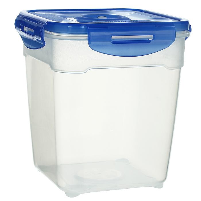 Контейнер вакуумный для пищевых продуктов Atlantis, цвет: синий, 2,5 лVS2R-53Контейнер Atlantis квадратной формы предназначен для хранения пищевых продуктов. Контейнер изготовлен из пищевого пластика, в состав которого включена антибактериальная добавка Microban. Microban, встроенный в структуру пластика, препятствует размножению микроорганизмов, уничтожает до 99,6% бактерий, находящихся на поверхности изделия. Сила межмолекулярных связей внутри полимера удерживает антисептик на поверхности и он не распространяется в сохраняемый продукт. Не изменяет вкусовых свойств хранимых в контейнере продуктов, препятствует размножению болезнетворных бактерий, сохраняет антибактериальные свойства в течение всего срока использования контейнера. Продукты сохраняются свежими дольше, чем в обычных контейнерах. Позволяет предотвратить загрязнение и неприятный запах, вызываемый бактериями, грибком и плесенью. Продукты в вакуумном контейнере можно ставить в морозилку или разогревать в микроволновой печи, не снимая при этом крышку контейнера. Состояние вакуума...