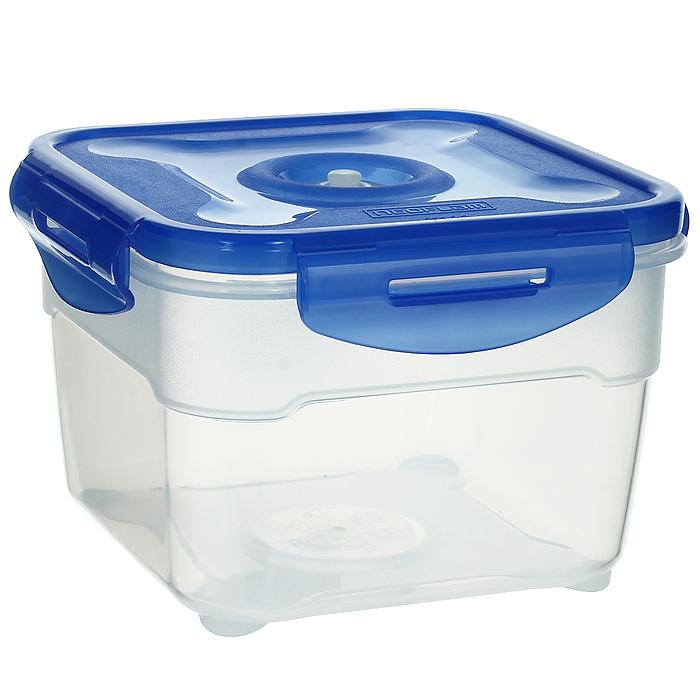 Контейнер вакуумный для пищевых продуктов Atlantis, цвет: синий, 1,5 лVS2R-52Контейнер Atlantis квадратной формы предназначен для хранения пищевых продуктов. Контейнер изготовлен из пищевого пластика, в состав которого включена антибактериальная добавка Microban. Microban, встроенный в структуру пластика, препятствует размножению микроорганизмов, уничтожает до 99,6% бактерий, находящихся на поверхности изделия. Сила межмолекулярных связей внутри полимера удерживает антисептик на поверхности и он не распространяется в сохраняемый продукт. Не изменяет вкусовых свойств хранимых в контейнере продуктов, препятствует размножению болезнетворных бактерий, сохраняет антибактериальные свойства в течение всего срока использования контейнера. Продукты сохраняются свежими дольше, чем в обычных контейнерах. Позволяет предотвратить загрязнение и неприятный запах, вызываемый бактериями, грибком и плесенью. Продукты в вакуумном контейнере можно ставить в морозилку или разогревать в микроволновой печи, не снимая при этом крышку контейнера. Состояние вакуума...