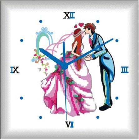 Картина-часы Craft Premier Пара на балу, 30 см х 30 см39780Картина-часы Craft Premier Пара на балу - это набор для раскрашивания по номерам акриловыми красками на холсте. В набор входят: - холст с нанесенным рисунком, - набор акриловых красок, - кисть, - инструкция, - часовой механизм со стрелками. Каждая краска имеет свой номер, соответствующий номеру на картинке. Нужно только аккуратно нанести необходимую краску на отмеченный для нее участок. Таким образом, шаг за шагом у вас получится великолепная картина. С помощью такого набора вы можете стать настоящим художником и создателем прекрасных картин. Вы получите истинное удовольствие от погружения в процесс творчества и созданные своими руками картины украсят интерьер вашего дома или станут прекрасным подарком. Техника раскрашивания на холсте по номерам дает возможность легко рисовать даже сложные сюжеты. Прекрасно развивает художественный вкус, аккуратность и внимание. Набор предназначен для детей от 5 лет и взрослых.