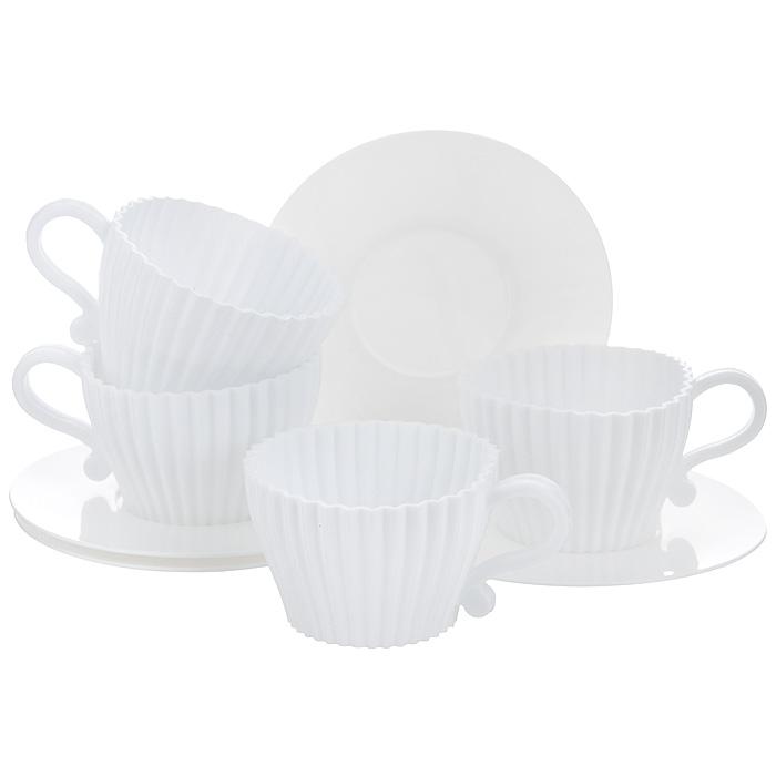 Набор форм для запекания Premier Housewares 4 чайные пары, цвет: белый0805200Набор форм для запекания Premier Housewares выполнен в виде четырех чайных пар. Чашки изготовлены из силикона, блюдца - из пластика. Если вы любите побаловать своих гостей выпечкой, то оригинальный набор формочек как раз то, что вам нужно! Предметы набора можно использовать в микроволновой печи, хранить в холодильнике и мыть в посудомоечной машине. Характеристики: Материал: силикон, пластик. Цвет: белый. Диаметр чашки: 7 см. Высота стенки чашки: 4,5 см. Диаметр блюдца: 10,5 см. Размер упаковки: 12 см х 9 см х 12 см. Артикул: 0805200.