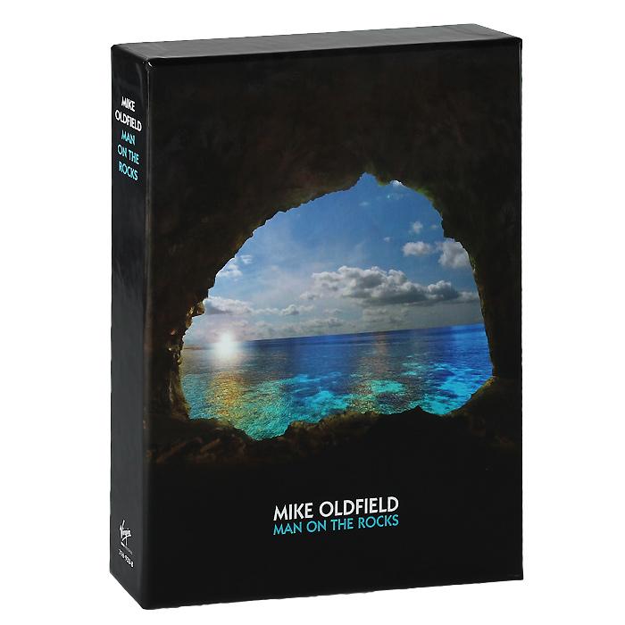 Издание содержит 16-страничный буклет с фотографиями и текстами песен на английском языке и пять открыток с фотографиями.