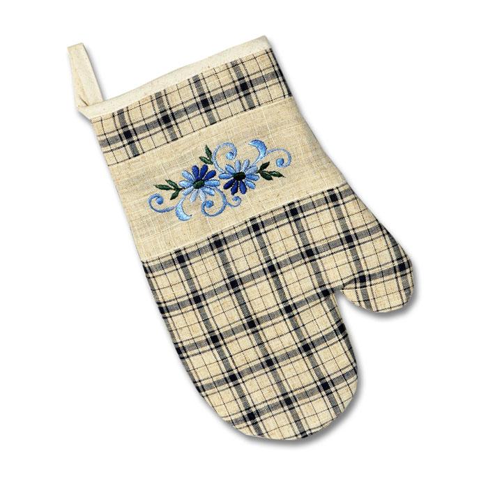 Набор прихваток Schaefer, цвет: синий, 2 шт. 07238-35607238-356Набор Schaefer состоит из двух прихваток-варежек, выполненных из полиэстера и волокна китайской крапивы. Очень стильные, красивые прихватки оформлены рисунком в синюю клетку и декорированы вышитыми вручную цветами. С внутренней стороны прихваток пришита ткань, не пропускающая тепло от горячих предметов. Отличный вариант для практичной и современной хозяйки.