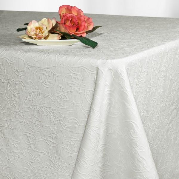 Скатерть Schaefer, прямоугольная, цвет: белый, 130 x 220 см. 41274127/FB.01-130*220Великолепная скатерть Schaefer, выполненная из полиэстера, органично впишется в интерьер любого помещения, а оригинальный дизайн удовлетворит даже самый изысканный вкус. Скатерть изготовлена из материала белого цвета с орнаментом и обладает жироводооталкивающими свойствами. Это текстильное изделие станет удобным и оригинальным украшением вашего дома!