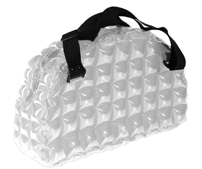 Сумка надувная спортивная Inflat Decor, цвет: серебристый. 00220022 SilverЯркая надувная сумка - великолепный аксессуар на лето! Сумка выполнена из ПВХ и снабжена ручками из полиэстера. Сумка легко надувается при помощи мини-насоса (входит в комплект) или рта. В сдутом виде сумка очень компактна и не займет много места. Надувная вместительная сумка - отличное решение для отдыха на пляже или похода в спортзал.