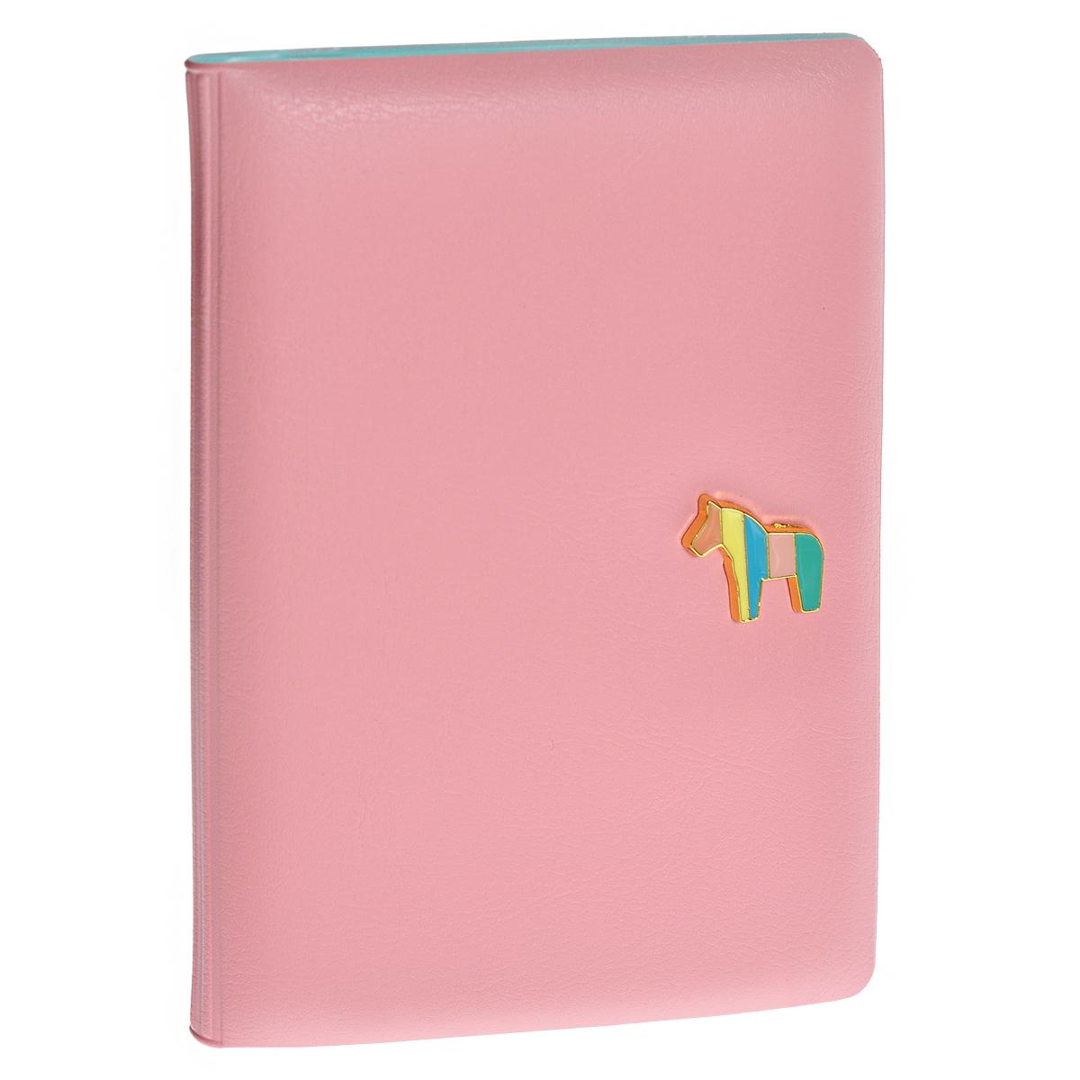 Обложка для паспорта Pony, цвет: розовый0901033Обложка для паспорта Pony не только поможет сохранить внешний вид ваших документов и защитить их от повреждений, но и станет стильным аксессуаром, идеально подходящим вашему образу. Обложка выполнена из ПВХ розового цвета и оформлена декоративным элементом из металла в виде миниатюрного пони. Внутри - кармашек из прозрачного пластика. Такая обложка станет замечательным подарком человеку, ценящему качественные и практичные вещи. Характеристики: Материал: ПВХ. Цвет: розовый. Размер обложки в сложенном виде: 9,5 см х 14 см х 1 см. Размер упаковки: 10 см х 14,5 см х 1,5 см. Артикул: 0901033.