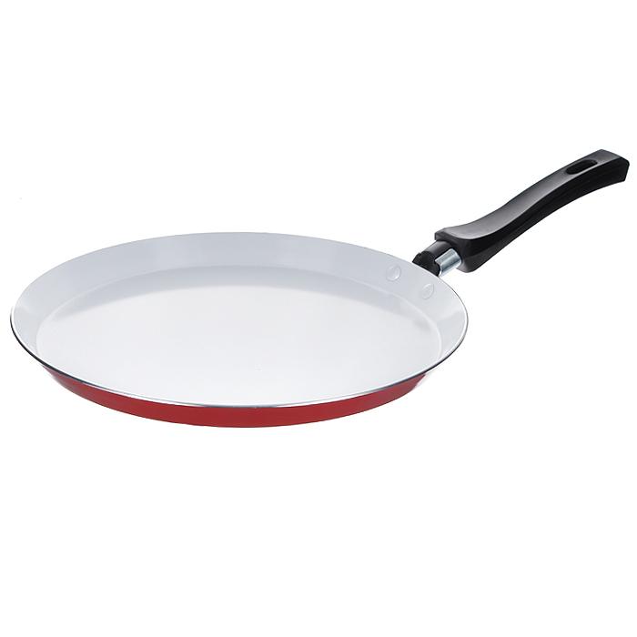 Сковорода блинная Mayer & Boch, с керамическим покрытием, цвет: красный. Диаметр 26 см20160 красныйБлинная сковорода Mayer & Boch изготовлена из алюминия с высококачественным антипригарным керамическим покрытием. Керамика не содержит вредных примесей ПФОК, что способствует здоровому и экологичному приготовлению пищи. Кроме того, с таким покрытием пища не пригорает и не прилипает к стенкам, поэтому можно готовить с минимальным добавлением масла и жиров. Гладкая, идеально ровная поверхность сковороды легко чистится, ее можно мыть в воде руками или вытирать полотенцем. Внешнее жаростойкое покрытие - красного цвета. Эргономичная ручка специального дизайна выполнена из бакелита черного цвета, удобна в эксплуатации. Сковорода подходит для использования на газовых и электрических плитах. Также изделие можно мыть в посудомоечной машине.