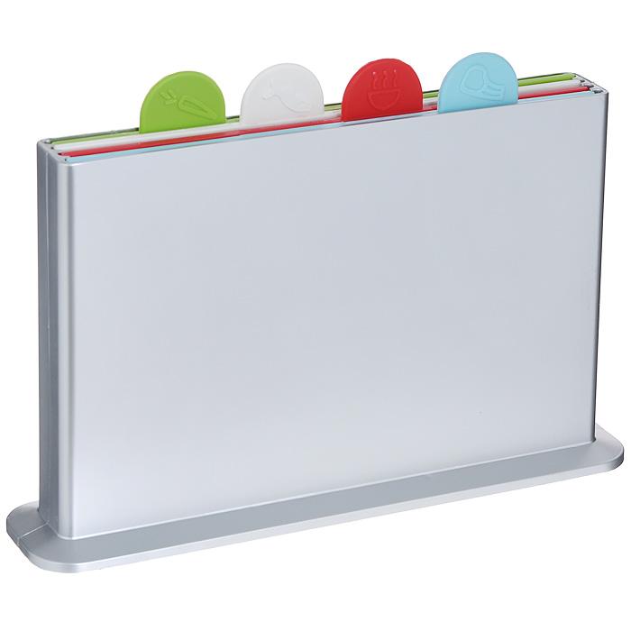 Набор разделочных досок Bradex Мозаика, 5 предметов. TK 0009TK 0009Набор разделочных досок Bradex Мозаика состоит из четырех разноцветных досок, помещенных в подставку. Это делает набор не только многофункциональным, но и очень удобным для хранения на кухне. Доски из комплекта Мозаика выполнены из безвредного и прочного пластика и могут использоваться для нарезки сырого мяса и рыбы, овощей, фруктов, варенных и копченых продуктов, хлеба и т.д. Небольшой ярлычок, имеющийся на каждой из досок, позволяет с легкостью извлекать их из подставки, а также будет удобной ручкой, за которую можно придерживать доску в процессе мытья. Каждый ярлычок отмечен рисунком продуктов, для которых предназначена доска: для рыбы, для мяса, для овощей и фруктов, для вареных продуктов. Набор разделочных досок Bradex Мозаика станет незаменимым и полезным аксессуаром на вашей кухне, который к тому же и стильно дополнит интерьер. Характеристики: Материал: пластик. Цвет: голубой, красный, белый, зеленый. Размер доски: 18 см х 27,5 см х 0,5 см. ...