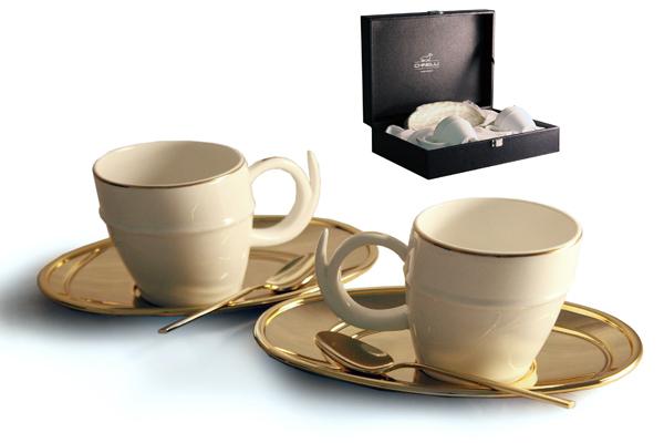 Чайный набор на 2 персоны Ричоло (золото)GA6005300ALМатериал: Металл, фарфор. Цвет: золотой. Серия: Ричоло. Размер товара: (2чашки 0,2л, 2 блюдца, 2 ложки).