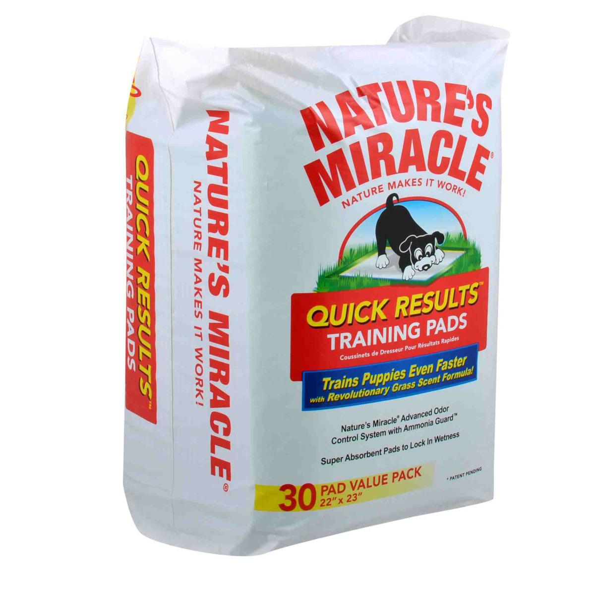 Пеленки для щенков 8 in 1 Natures Miracle, приучающие, 56 см х 58 см, 30 шт5052308Приучающие пеленки для щенков 8 in 1 Natures Miracle помогут вам в приучении собаки и избавят от неприятных запахов в доме. Многослойные приучающие пеленки содержат супер-абсорбирующие полимеры, впитывающие влагу и фиксирующие ее внутри пеленки, и дарят вам душевное спокойствие в поездках, когда животное надолго остается в одиночестве или с трудом поддается воспитанию. Пеленки Natures Miracle содержат аттрактанты, запах которых привлекает собак, и стимулирует их справлять нужду на пеленку. Пропитка с ароматом травы позволяет быстрее приучить собаку к улице после использования пеленок. Кроме того, пеленки Natures Miracle обладают Технологией контроля запахов, которая уничтожает неприятные запахи и препятствует их распространению по дому. Если вы будете поощрять животное использовать пеленку, собака перестанет ходить в туалет на ковры и другую трудно-очищаемую поверхность. Пеленки Natures Miracle идеально подходят для щенков в период приучения к гигиене и для маленьких...