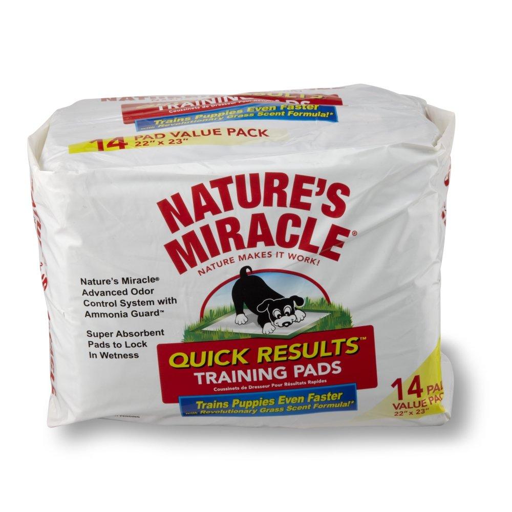 Пеленки для щенков 8 in 1 Natures Miracle, приучающие, 56 см х 58 см, 14 шт5054272Приучающие пеленки для щенков 8 in 1 Natures Miracle помогут вам в приучении собаки и избавят от неприятных запахов в доме. Многослойные приучающие пеленки содержат супер-абсорбирующие полимеры, впитывающие влагу и фиксирующие ее внутри пеленки, и дарят вам душевное спокойствие в поездках, когда животное надолго остается в одиночестве или с трудом поддается воспитанию. Пеленки Natures Miracle содержат аттрактанты, запах которых привлекает собак, и стимулирует их справлять нужду на пеленку. Пропитка с ароматом травы позволяет быстрее приучить собаку к улице после использования пеленок. Кроме того, пеленки Natures Miracle обладают Технологией контроля запахов, которая уничтожает неприятные запахи и препятствует их распространению по дому. Если вы будете поощрять животное использовать пеленку, собака перестанет ходить в туалет на ковры и другую трудно-очищаемую поверхность. Пеленки Natures Miracle идеально подходят для щенков в период приучения к гигиене и для маленьких...