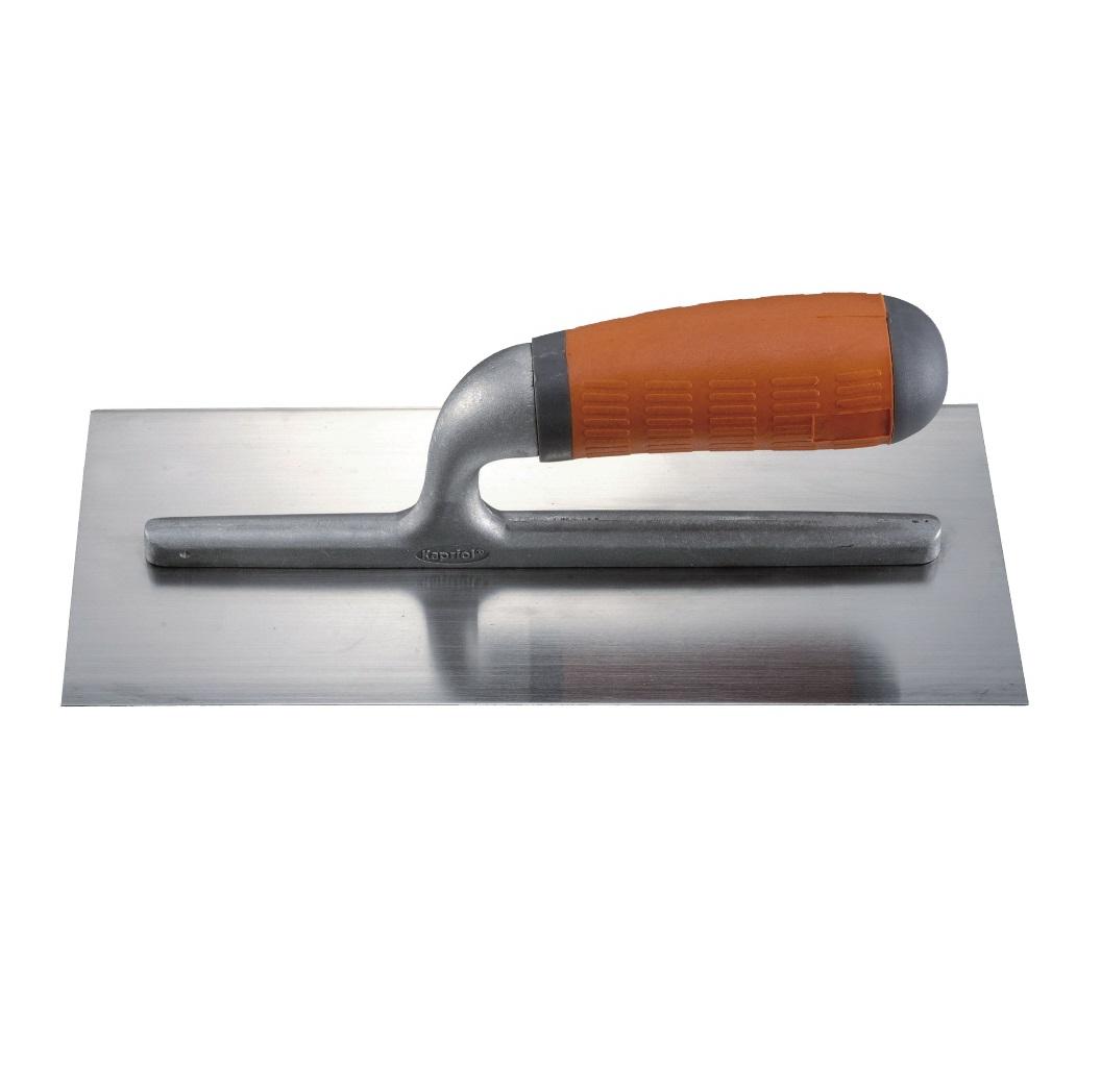 Гладилка плоская Kapriol, ручка Progrip, 12 х 28 см23014Гладилка плоская Kapriol с ручкой Progrip используется для нанесения и распределения различных растворов по стенам, полу и потолку; кроме этого, с её помощью сглаживаются швы и большие неровности. Особенности гладилки: Полотно из закаленной стали; Рукоятка отлита из алюминия для снижения веса; Рукоятка соединена с полотном с помощью ультразвуковой сварки; Эргономичная ручка Progrip с удобным хватом снижает усталость рук во время работы.