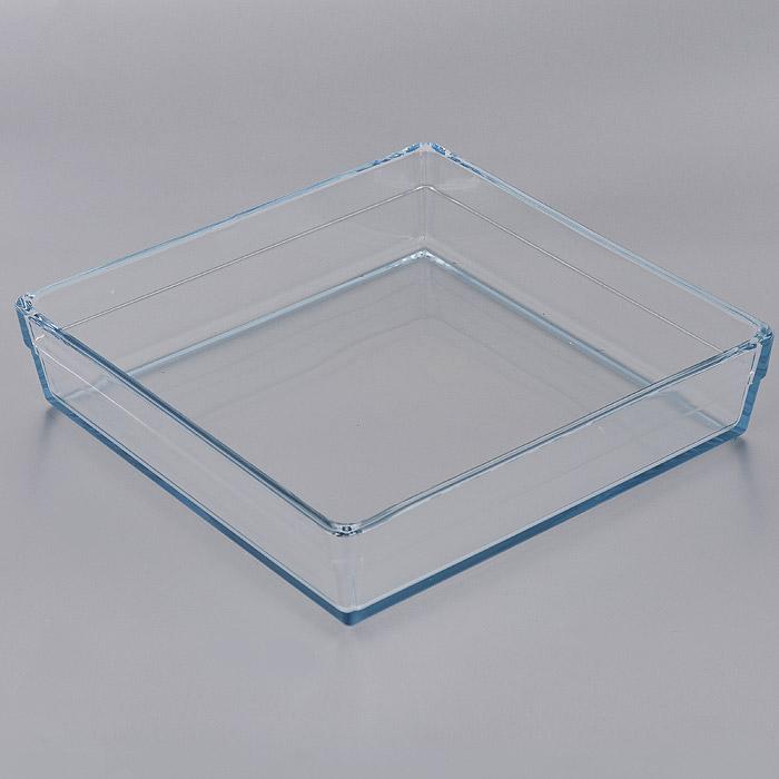 Форма для СВЧ Pasabahce Borcam Premium, квадратная, 28,7 х 28,7 см 5931459314Квадратная форма для СВЧ Pasabahce Borcam Premium выполнена из жаропрочного стекла. Стекло - самый безопасный для здоровья материал. Посуда из стекла не вступает в реакцию с готовящейся пищей, а потому не выделяет никаких вредных веществ, не подвергается воздействию кислот и солей. Из-за невысокой теплопроводности пища в ней гораздо медленнее остывает. Стеклянная посуда очень удобна для приготовления и подачи самых разнообразных блюд: супов, вторых блюд, десертов. Благодаря прозрачности стекла, за едой можно наблюдать при ее готовке, еду можно видеть при подаче, хранении. Используя такую посуду, вы можете как приготовить пищу, так и изящно подать ее к столу, не меняя посуды. Благодаря гладкой идеально ровной поверхности посуда легко моется. Можно использовать в духовках, микроволновых печах и морозильных камерах (выдерживает температуру от - 30°C до 300°C). Можно мыть в посудомоечной машине. Характеристики: Материал: жаропрочное стекло. Размер...
