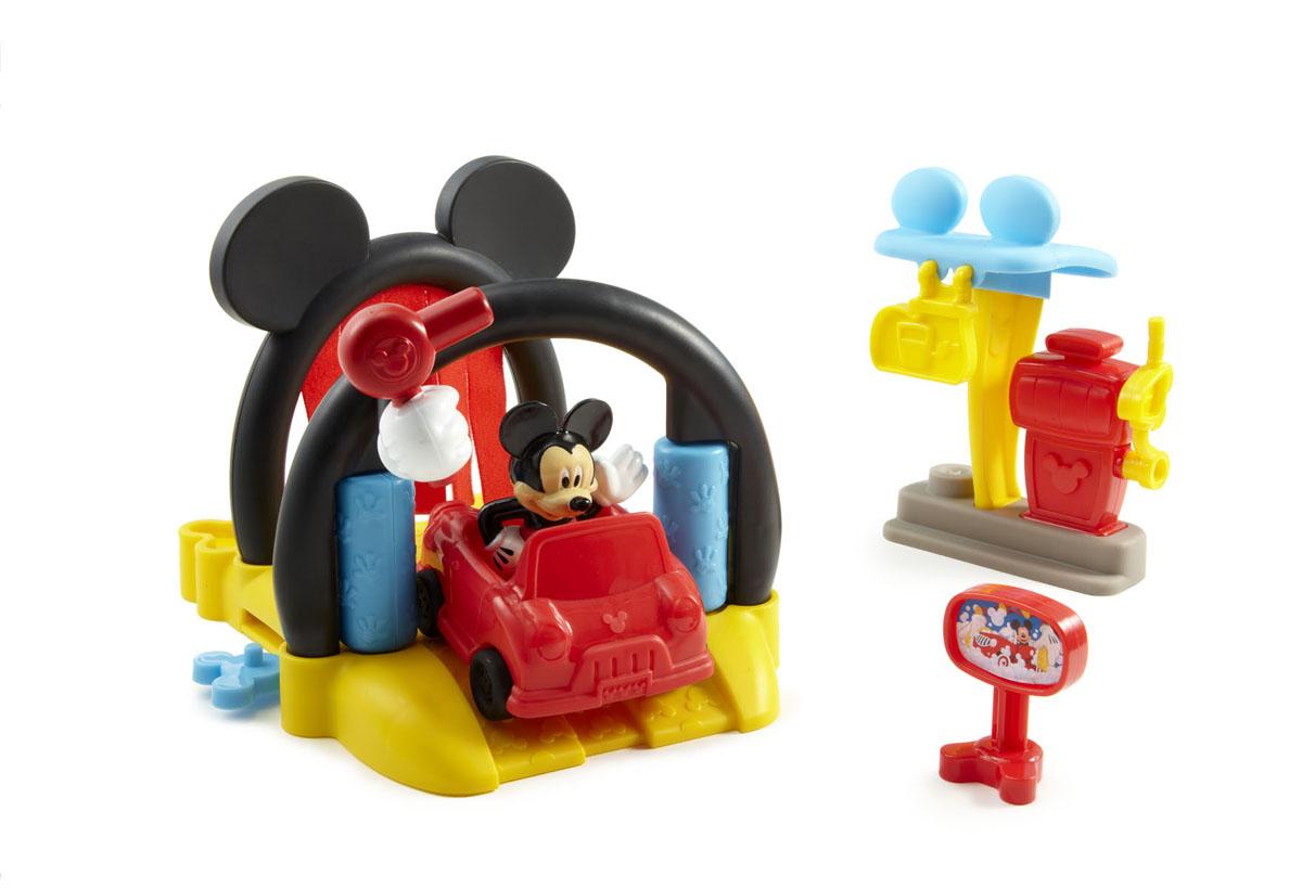 Mickey Mouse Игровой набор АвтомойкаBDJ81Игровой набор Mickey Mouse Автомойка привлечет внимание вашего ребенка и не позволит ему скучать. Автомобиль Микки грязный после дня вождения, поэтому Микки привез его на автомойку! Отвезите машину Микки в начало мойки и поставьте ее на направляющие. Сначала машина пройдет участок с тканевыми занавесками, где покроется пеной, затем пройдет через ролики для сильной очистки, и в завершение - суперсушка! Прежде чем Микки уедет, он остановится на заправке и заправит автомобильный бак топливом. В набор входят: фигурка Микки, автомобиль, автомойка с тканевыми занавесками, прокатными роликами и сушилкой, автозаправка, топливная станция с навесным насосным рычагом. Порадуйте своего ребенка таким замечательным подарком! Характеристики: Материал: пластик, текстиль. Высота фигурки: 7 см. Размер автомобиля: 7,5 см х 6,5 см х 5 см. Размер автомойки: 20 см х 16 см х 13,5 см. Размер упаковки: 35,5 см х 16 см х 23 см.