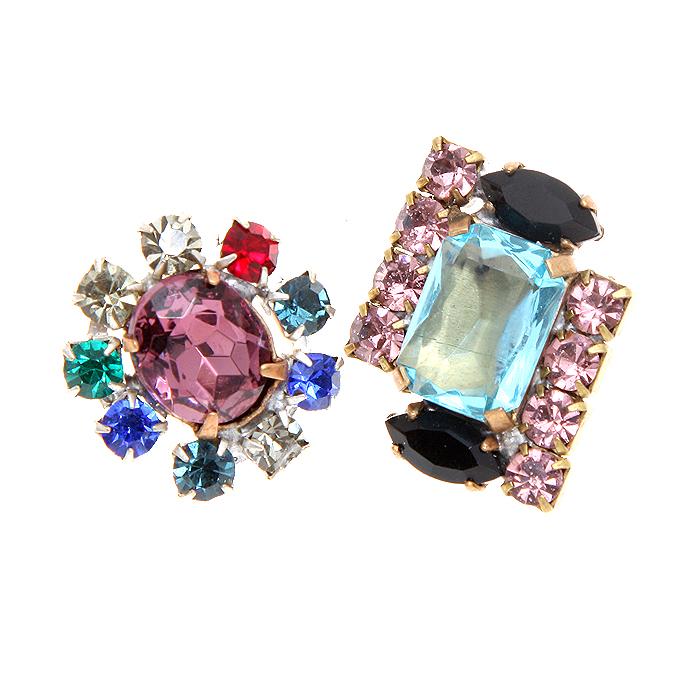 Комплект из двух кулонов Сияние. Крупные кристаллы голубого и сиреневого цвета, разноцветные стразы, бижутерный сплав. Чехословакия, 1960-е годыBR0029Комплект из двух кулонов Сияние. Крупные кристаллы голубого и сиреневого цвета, разноцветные стразы, бижутерный сплав. Чехословакия, 1960-е годы. Размер кулонов 2,5 х 2 см. Сохранность очень хорошая. Кулоны представлены без цепочек.