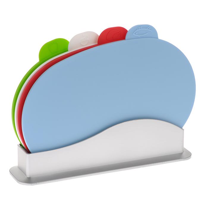 Набор разделочных досок Bradex Карнавал, 5 предметов. TK 0060TK 0060Набор разделочных досок Bradex Карнавал состоит из четырех овальных разноцветных досок, помещенных в подставку. Это делает набор не только многофункциональным, но и очень удобным для хранения на кухне. Доски из комплекта Карнавал выполнены из безвредного и прочного пластика и могут использоваться для нарезки сырого мяса и рыбы, овощей, фруктов, варенных и копченых продуктов, хлеба и т.д. Небольшой ярлычок на каждой из досок отмечен рисунком продуктов, для которых предназначена доска: для рыбы, для мяса, для овощей и фруктов, для вареных продуктов. Такой ярлычок будет удобной ручкой, за которую можно придерживать доску в процессе мытья. Набор разделочных досок Bradex Карнавал станет незаменимым и полезным аксессуаром на вашей кухне, который к тому же и стильно дополнит интерьер. Можно мыть в посудомоечной машине. Характеристики: Материал: пластик. Цвет: голубой, красный, белый, зеленый. Размер доски: 30 см х 20 см х 0,6 см. Размер подставки...