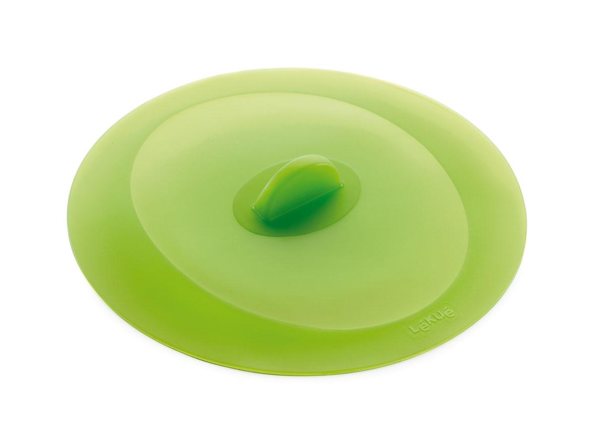 Крышка герметичная Lekue, цвет: салатовый. Диаметр 32 cм1270232V09U002Крышка герметичная Lekue выполнена из силикона салатового цвета. Уникальный материал позволяет крышке герметично закрывать посуду независимо от диаметра - от стаканов до кастрюль. Силикон способен выдерживать большие перепады температур, не теряя своих свойств, поэтому крышки можно использовать для хранения приготовленных продуктов в холодильнике. Крышка не бьется, легко моется, компактна и удобна в хранении. Проблема неприятных запахов в холодильнике будет решена навсегда, потому что крышка плотно закрывают посуду, препятствуя распространению запахов. Силиконовая крышка очень удобна в использовании и позволяет хранить продукты без доступа воздуха, чтобы они оставались свежими в течение нескольких дней. Кухонная посуда и аксессуары из силикона абсолютно безопасны для здоровья. Характеристики: Материал: силикон. Диаметр крышки: 32 см. Цвет: салатовый.