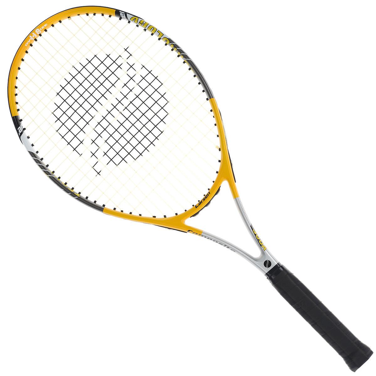 Ракетка для большого тенниса Larsen 300A52462Ракетка для большого тенниса Larsen 300A предназначена для начинающих игроков и любителей. Удобная, не скользящая в руках ручка даст вам особый контроль над ракеткой. Благодаря материалу из которой изготовлена ракетка, игра с Larsen 300A доставит вам уйму удовольствия и подарит незабываемый опыт в большем теннисе. В комплект идет чехол для ракетки. Характеристики: Материал: алюминий, графит. Вес: 300 г +/-5 г. Длина: 27. Баланс: 315 мм +/-7,5 мм. Рекомендуемое натяжение: 47-52 lbs/21-24 кг. Размер упаковки: 73 см х 31 см х 3 см.