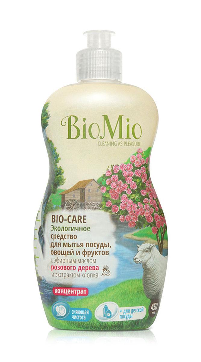Средство для мытья посуды, овощей и фруктов BioMio, концентрат, с эфирным маслом розового дерева, 450 млЭР-244Средство для мытья посуды BioMio - это многофункциональное эффективное средство с мягким и безопасным действием, которое идеально подходит для мытья детской посуды, овощей и фруктов. Благодаря особой текстуре расход очень экономичный. Специальная формула с экстрактом хлопка обеспечивает мягкое и деликатное действие на кожу рук. Средство обладает антибактериальным эффектом с дополнительной защитой для всех членов семьи благодаря ионам серебра. Аромат розового дерева успокаивает, способствует расслаблению, восстанавливает силы и оживляет эмоции. Средство не содержит фосфаты, агрессивные ПАВ, SLS/SLES, ПЭГ, хлор, нефтепродукты и красители. BioMio - линейка эффективных средств для дома, использование которых приносит только удовольствие. Уборка помогает не только очистить и гармонизировать свое пространство, но и себя, свои мысли, поэтому важно ее делать с радостью. Средства, созданные с любовью и заботой, помогут в этом и идеально справятся с ...