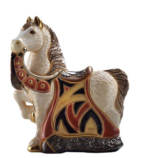 Статуэтка Конь в красной попонеDERSW016RALМатериал: Керамика. Цвет: синий, желтый, красный, зеленый, голубой. Серия: Статуэтки.