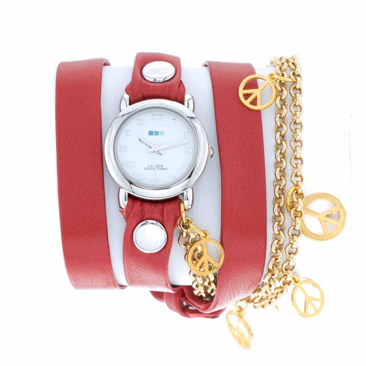 Часы наручные женские La Mer Collections Charm Peace Gold Red. LMCW1005-RLMCW1005-RЧасы оснащены японским кварцевым механизмом. Корпус прямоугольной формы выполнен из нержавеющей стали серебристого цвета. Оригинальный кожаный ремешок красного цвета отделан металлическими клепками и дополнен связкой цепочек с декоративными элементами. Каждая модель женских наручных часов La Mer Collections имеет эксклюзивный дизайн, в основу которого положено необычное сочетание классических циферблатов с удлиненными кожаными ремешками. Оборачиваясь вокруг запястья несколько раз, они образуют эффект кожаного браслета, превращая часы в женственный аксессуар, который великолепно дополнит другие аксессуары и весь образ в целом. Дизайн La Mer Collections отвечает всем последним тенденциям моды и превосходно сочетается с модными сумками, ремнями, обувью и другими элементами гардероба современных девушек. Часы La Mer - это еще и отличный подарок любимой девушке, сестре или подруге на день рождения, восьмое марта или новый год!