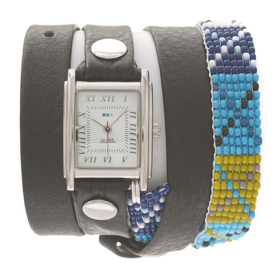 Часы наручные женские La Mer Collections Guatemala Beaded Black - Blue X. LMGUAT002LMGUAT002Часы оснащены японским кварцевым механизмом. Корпус прямоугольной формы выполнен из нержавеющей стали серебристого цвета. Оригинальный кожаный ремешок черного цвета отделан металлическими клепками и дополнен браслетом, выполненный из бисера. Каждая модель женских наручных часов La Mer Collections имеет эксклюзивный дизайн, в основу которого положено необычное сочетание классических циферблатов с удлиненными кожаными ремешками. Оборачиваясь вокруг запястья несколько раз, они образуют эффект кожаного браслета, превращая часы в женственный аксессуар, который великолепно дополнит другие аксессуары и весь образ в целом. Дизайн La Mer Collections отвечает всем последним тенденциям моды и превосходно сочетается с модными сумками, ремнями, обувью и другими элементами гардероба современных девушек. Часы La Mer - это еще и отличный подарок любимой девушке, сестре или подруге на день рождения, восьмое марта или новый год!