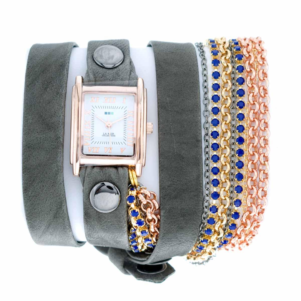 Часы женские наручные La Mer Collections Crystal Sapphire Blue. LMMULTI8003xLMMULTI8003xЖенские наручные часы Crystal Sapphire Blue позволят вам выделиться из толпы и подчеркнуть свою индивидуальность. Часы оснащены японским кварцевым механизмом SEIKO. Ремешок выполнен из натуральной итальянской кожи с матовой поверхностью и декорирован позолоченными цепочками, инкрустированными кристаллами Swarovski. Корпус часов изготовлен из сплава металлов золотистого цвета. Циферблат оснащен часовой, минутной и секундной стрелками и защищен минеральным стеклом. Циферблат оформлен римскими цифрами и отметками. Часы застегиваются на классическую застежку. Часы хранятся на специальной подушечке в футляре из искусственной кожи, крышка которого оформлена логотипом компании La Mer Collection.