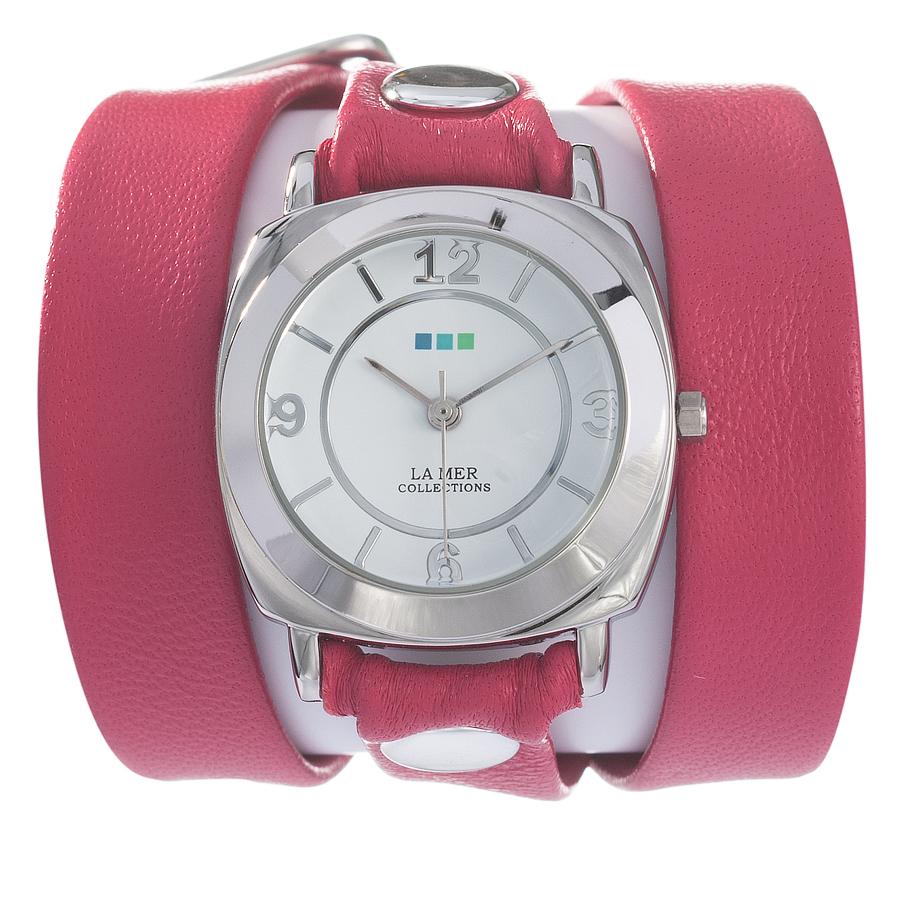 Часы женские наручные La Mer Collections Odyssey Tulip Pink. LMODY3002LMODY3002Женские наручные часы Odessey Tulip Pink позволят вам выделиться из толпы и подчеркнуть свою индивидуальность. Часы оснащены японским кварцевым механизмом SEIKO. Ремешок выполнен из натуральной итальянской кожи с матовой поверхностью и оформлен металлическими заклепками. Корпус часов изготовлен из сплава металлов серебристого цвета. Циферблат оснащен часовой, минутной и секундной стрелками и защищен минеральным стеклом. Циферблат оформлен арабскими цифрами и отметками. Часы застегиваются на классическую застежку. Часы хранятся на специальной подушечке в футляре из искусственной кожи, крышка которого оформлена логотипом компании La Mer Collection.