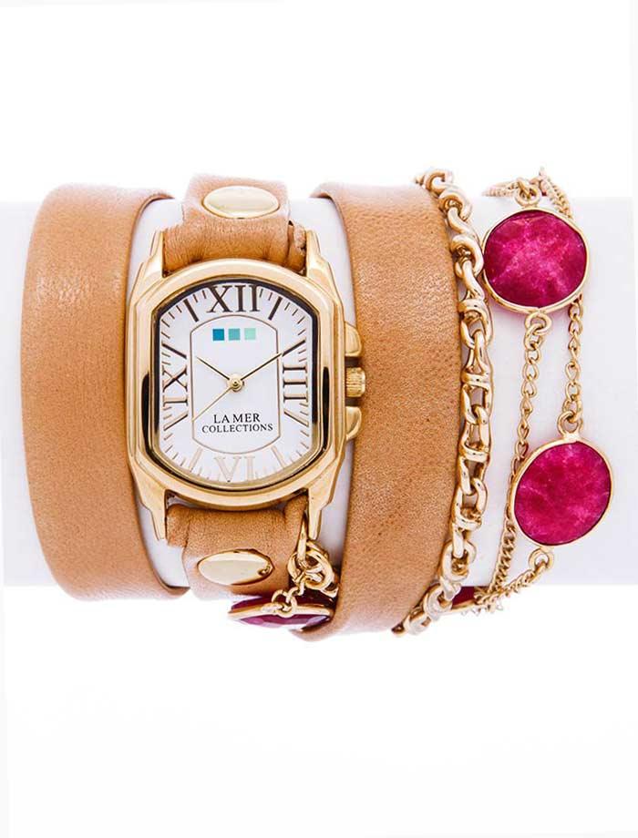 Часы наручные женские La Mer Collections Stones By The Yard Ruby. LMSBY001LMSBY001Часы оснащены японским кварцевым механизмом. Корпус овальной формы выполнен из нержавеющей стали золотистого цвета. Оригинальный кожаный ремешок бежевого цвета отделан металлическими клепками и дополнен связкой цепочек и декоративными камнями. Каждая модель женских наручных часов La Mer Collections имеет эксклюзивный дизайн, в основу которого положено необычное сочетание классических циферблатов с удлиненными кожаными ремешками. Оборачиваясь вокруг запястья несколько раз, они образуют эффект кожаного браслета, превращая часы в женственный аксессуар, который великолепно дополнит другие аксессуары и весь образ в целом. Дизайн La Mer Collections отвечает всем последним тенденциям моды и превосходно сочетается с модными сумками, ремнями, обувью и другими элементами гардероба современных девушек. Часы La Mer - это еще и отличный подарок любимой девушке, сестре или подруге на день рождения, восьмое марта или новый год! Характеристики: Механизм:...