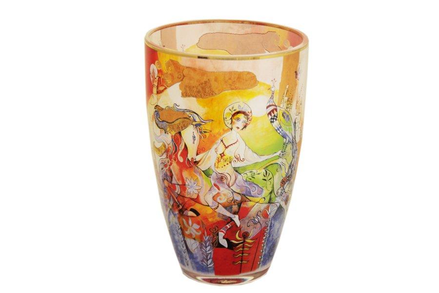 Ваза Goebel Гера и Аргос, высота 19 смGO67030262ALВаза Goebel Гера и Аргос изготовлена из высококачественного стекла и декорирована красочным изображением. Вы можете поставить вазу в любом месте, где она будет удачно смотреться и радовать глаз. Такая ваза прекрасно дополнит интерьер офиса или дома. Диаметр вазы (по верхнему краю): 12,5 см. Высота вазы: 19 см.