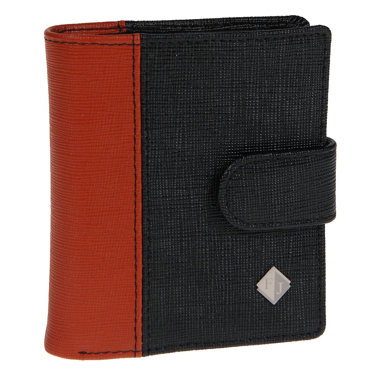 Кошелек мужской Flioraj, цвет: черный, рыжий. 3097-05/04/F3097-05/04/F черн-рыжСтильный компактный кошелек Flioraj выполнен из натуральной кожи черного цвета со вставкой из рыжей кожи и закрывается хлястиком на кнопку. Кошелек содержит отделение для купюр, четыре наборных кармашка для кредитных карт, карман для мелочи на молнии, маленький кармашек для бумаг и чеков и металлический зажим для купюр. Также кошелек имеет два кармашка для хранения sim и флэш-карт. Характеристики: Материал: натуральная кожа, металл, текстиль. Цвет: черный, рыжий. Размер кошелька: 10 см х 9 см х 2,5 см. Размер упаковки: 15 см х 12,5 см х 4 см. Артикул: 3097-05/04/F.
