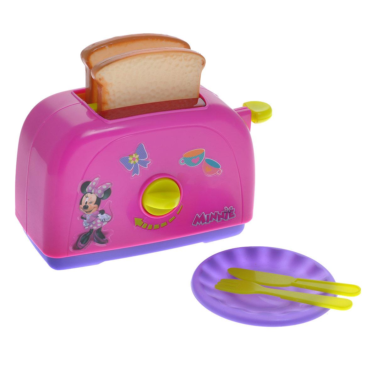 Simba Игровой набор Minnie Mouse: Тостер, 6 предметов4735308Игровой набор Minnie Mouse: Тостер привлечет внимание вашего малыша и не позволит ему скучать. Набор включает в себя тостер, два тоста, тарелку, нож и вилку. Игрушечный тостер очень похож на настоящий кухонный прибор! При повороте переключателя слышны щелкающие звуки. Если нажать на рычаг, то готовые тосты выпрыгнут из тостера. С таким набором ваш малыш сможет приготовить для своих игрушек вкусный завтрак. Игрушечная бытовая техника не только развлекает ребенка, но и знакомит его с правилами использования электроприборов. Порадуйте его таким замечательным подарком!