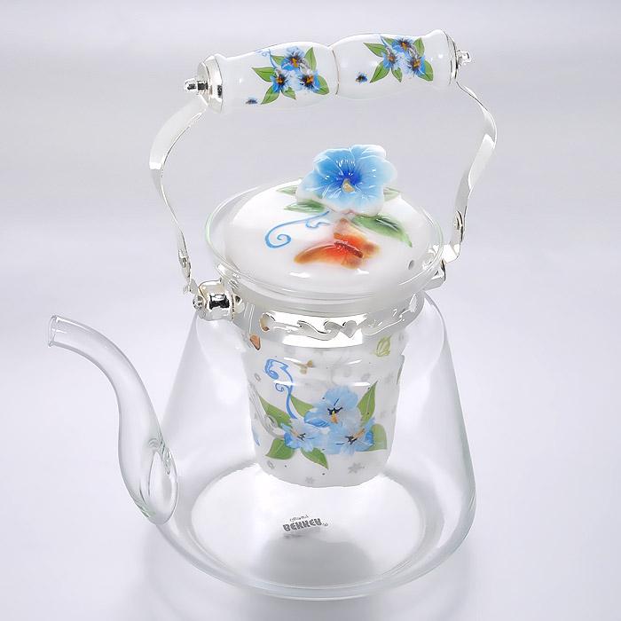 Чайник заварочный Bekker, цвет: голубые цветы, 1,4 л. BK-7623BK-7623 голубые цветыЗаварочный чайник Bekker выполнен из жаростойкого стекла, которое хорошо удерживает тепло. Съемное ситечко выполнено из фарфора. Ручка выполнена из высококачественной нержавеющей стали. Высокая ручка чайника, снабженная фарфоровой насадкой, позволяет с легкостью удерживать его на весу. Съемное ситечко для заварки предотвращает попадание чаинок и листочков в настой. Заварочный чайник украшен изящным рисунком, что придает ему элегантность. Заварочный чайник из стекла удобно использовать для повседневного заваривания чая практически любого сорта. Но цветочные, фруктовые, красные и желтые сорта чая лучше других раскрывают свой вкус и аромат при заваривании именно в стеклянных чайниках и сохраняют полезные ферменты и витамины, содержащиеся в чайных листах. Высота чайника: 15 см.