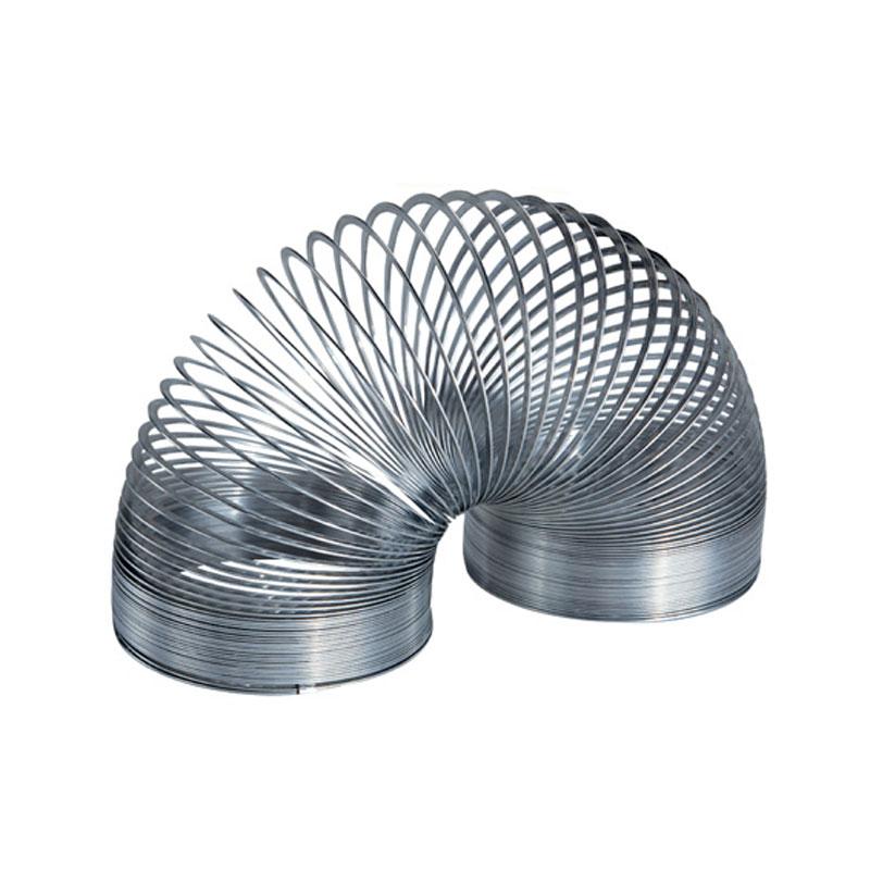 Пружинка Slinky Великан, металлическаяСЛ140BLЭто самая большая металлическая пружинка в линейке Slinky. Гигантская пружинка на 70% больше обычной металлической Slinky. А это значит, что она больше тянется, ходит по лестнице более крупными шагами. Пружинку Slinky любят дети, их родители, а так же бабушки и дедушки, ведь игрушка выпускается уже больше 60 лет!