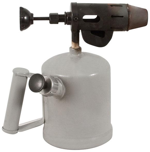 Лампа паяльная FIT, бензиновая, 1 л67616Лампа FIT предназначена для проведения паяльных и прочих работ, допускающих нагрев открытым пламенем. Широко применяется в ремонте. Корпус оснащен специальной ручкой для удобной работы с лампой.
