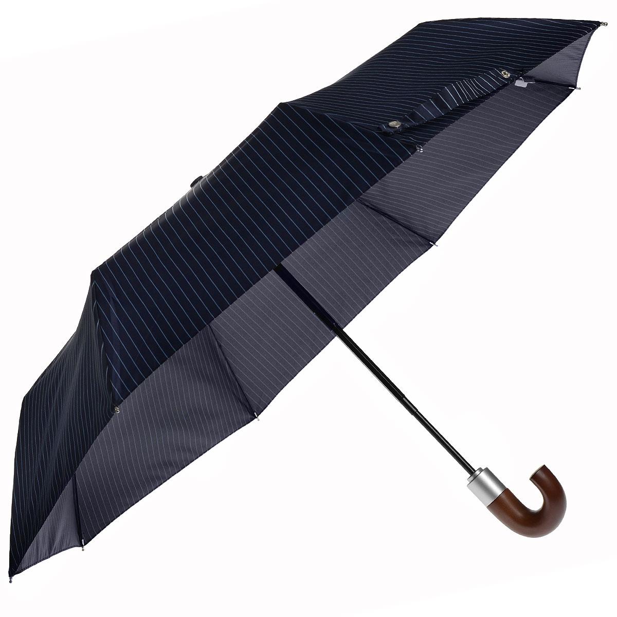 """Зонт мужской Fulton Chelsea, автомат, 3 сложения, цвет: синийG818 3F2639Стильный зонт """"Chelsea"""" даже в ненастную погоду позволит вам оставаться элегантным. """"Ветростойкий"""" каркас зонта в 3 сложения состоит из восьми спиц, стержень выполнен из стали. Зонт оснащен удобной рукояткой закругленной формы, выполненной из дерева. Купол зонта выполнен из прочного полиэстера синего цвета и оформлен полосатым принтом. К зонту прилагается чехол. Зонт автоматического сложения: купол открывается и закрывается нажатием кнопки, стержень складывается вручную до характерного щелчка."""